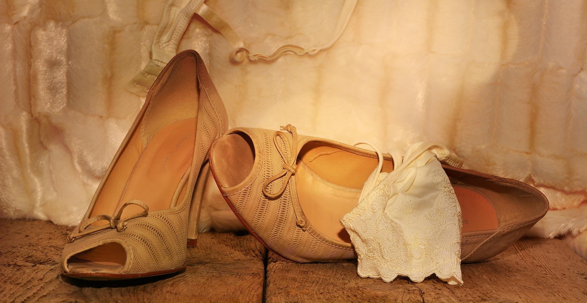 Dámska obuv v priebehu vekov  Od antických sandálov až k ihličkám ... 5fc482896b5