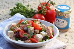 Stredomorsky_salat_s_tunakem_(1)