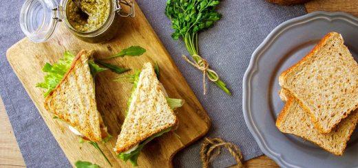 2.Šunkový sendvič s petržlenovým pestom (2)