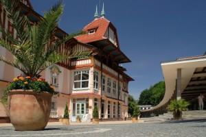 Luhačovice-Jurkovičův dům s kolonádou